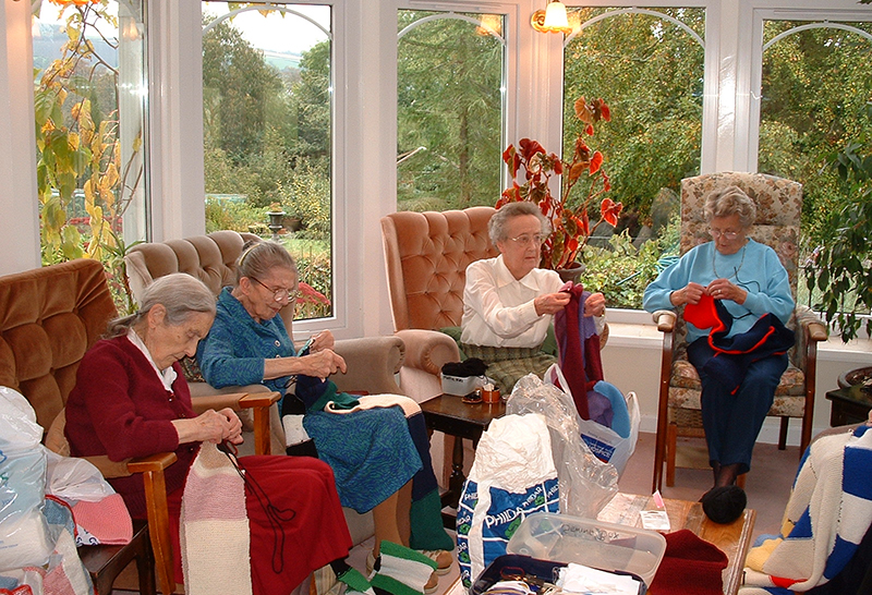 Knitting Activities at Tracey house